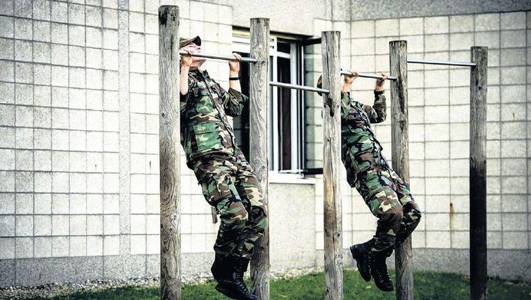 Mariniers op de Van Ghentkazerne. Onlangs werd bekend dat de kazerne dicht moet. Beeld anp