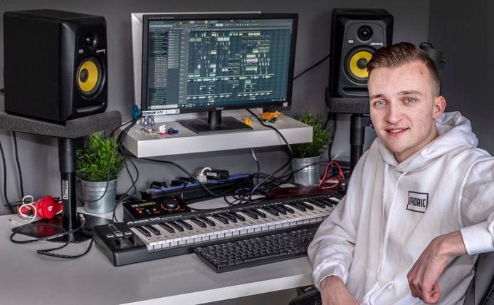 DJ Robin van Rijsbergen 19 jaar (Ephoric) Uit Millingen aan de Rijn.