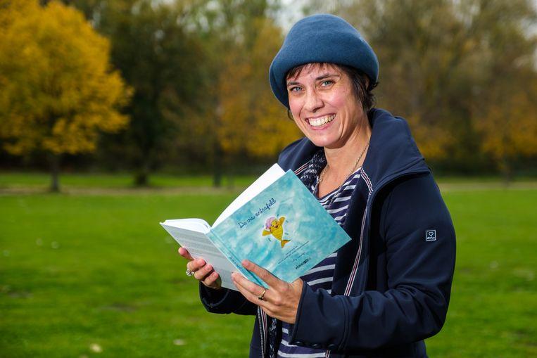 Cathy Camertijn heeft met 'De vis ontrafeld' een bewustwordings- en groeiboek geschreven.