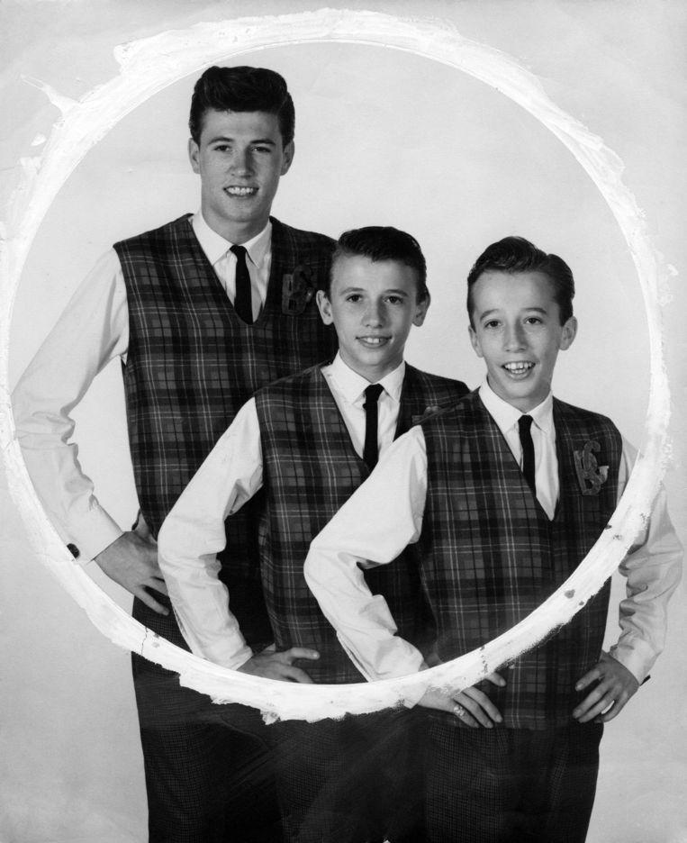Van links af: Barry, Maurice en Robin Gibb in 1963. Beeld Redferns
