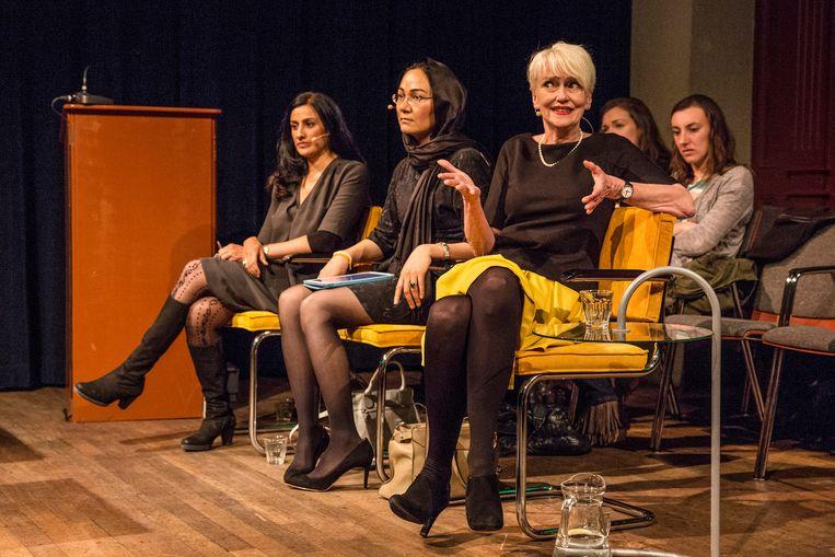 Elma Drayer op een debatavond over feminisme in de Balie te Amsterdam in 2014.  Beeld Hollandse Hoogte / Dingena Mol