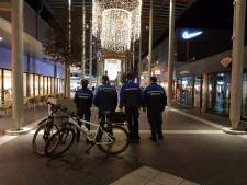 64 fietsers bekeurd na rijden in voetgangersgebied winkelcentrum Woensel in Eindhoven