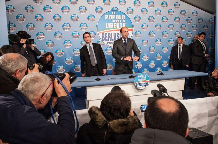 Berlusconi's rechterhand Angelino Alfano geeft een persconferentie na afloop van de verkiezingen. Beeld getty