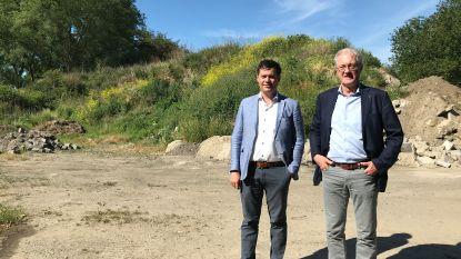 Na zowat 40 jaar verdwijnt berg afvalgrond uit Eernegem, ook in Ichtegem wordt letterlijk flink wat puin geruimd