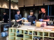 Terwijl zijn restaurant een Michelinster krijgt, is chef Emile in het bos