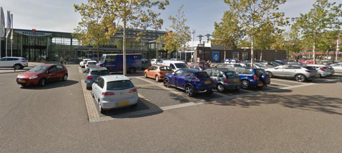 Man mishandeld op parkeerplaats Helftheuvelpassage Den Bosch