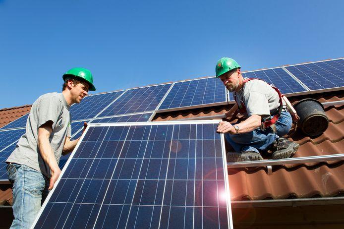 De AGEM levert nu onder meer zonnepanelen aan gebruikers in de Achterhoek. Berkelland participeert in de AGEM, maar wil er geen energie bij inkopen.