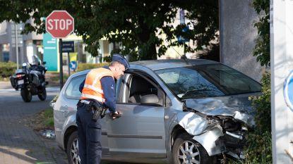 Chauffeur gewond bij ongeval met twee auto' s op de Buke in Zottegem