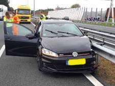 Politie rekent verdachten in na spectaculaire achtervolging, crash en vluchtpoging op A28 bij Zwolle