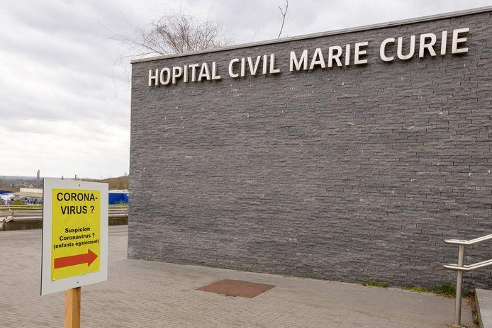 L'hôpital Civil Marie Curie de Charleroi où le jeune homme a été déposé par une voiture qui a pris la fuite.