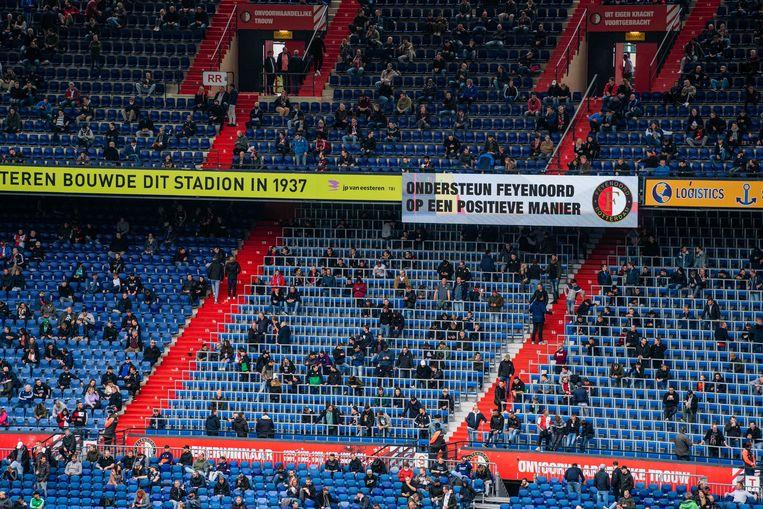 Supporters van Feyenoord zondag tijdens de wedstrijd tegen ADO Den Haag. Beeld ANP