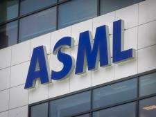ASML schenkt medische overalls voor ambulancezorg