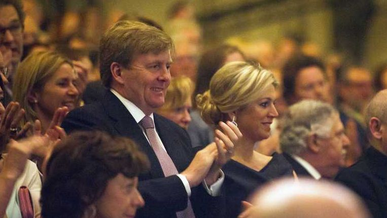 Het koninklijk paar zaterdag bij de openingsvoorstelling van het Holland Festival. Beeld anp