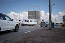 Met het toeristenseizoen voor de deur kan de kapotte brug bij Bruinisse weer 'ouderwets' voor opstoppingen gaan zorgen voor het weg- en scheepvaartverkeer.