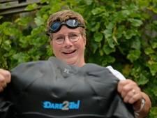 Ida uit Borne (50) zwemt voor het goede doel van Den Helder naar Texel