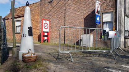 Er wordt opnieuw 'gesmokkeld' aan de grens: Belgische en Nederlandse buren wisselen paaseitjes, boterkoeken en drop uit