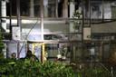 De explosie in de nacht van 26 op 27 maart slingert het glas van vele ruiten meters in het rond.