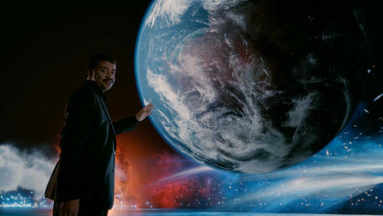 Tyson is vooral bekend als presentator van de invloedrijke docureeks 'Cosmos: A Spacetime Odyssey'. Beeld FOX Image Collection via Getty I