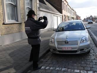 """Parkeren in coronajaar levert stad 300.000 euro minder inkomsten op: """"Bewuste keuze om coronapijn te verzachten"""""""