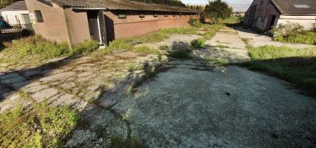 Het piept en kraakt in de gemeentehuizen door golf aan stoppende boeren