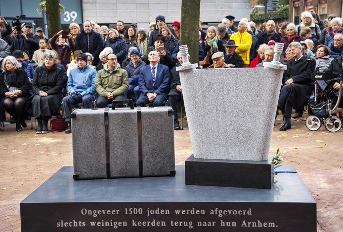 Het Joods herdenkingsmonument van Betty Jacobs op de Jonas Daniel Meijerplaats ter nagedachtenis aan de ongeveer 1500 Arnhemse Joden die de Tweede Wereldoorlog niet hebben overleefd. Foto ter illustratie.