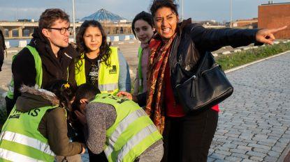 Schepen Jinnih Beels leert kinderen veilig oversteken