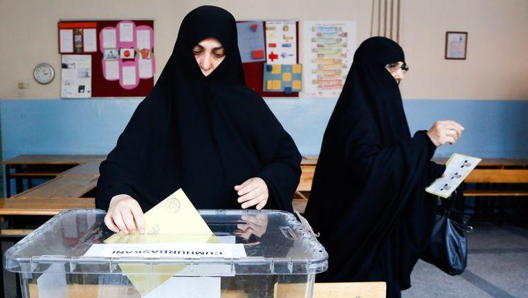 Turkse vrouwen stemmen. Beeld afp
