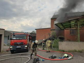 Geen asbest-gevaar na brand in voormalige schoenfabriek
