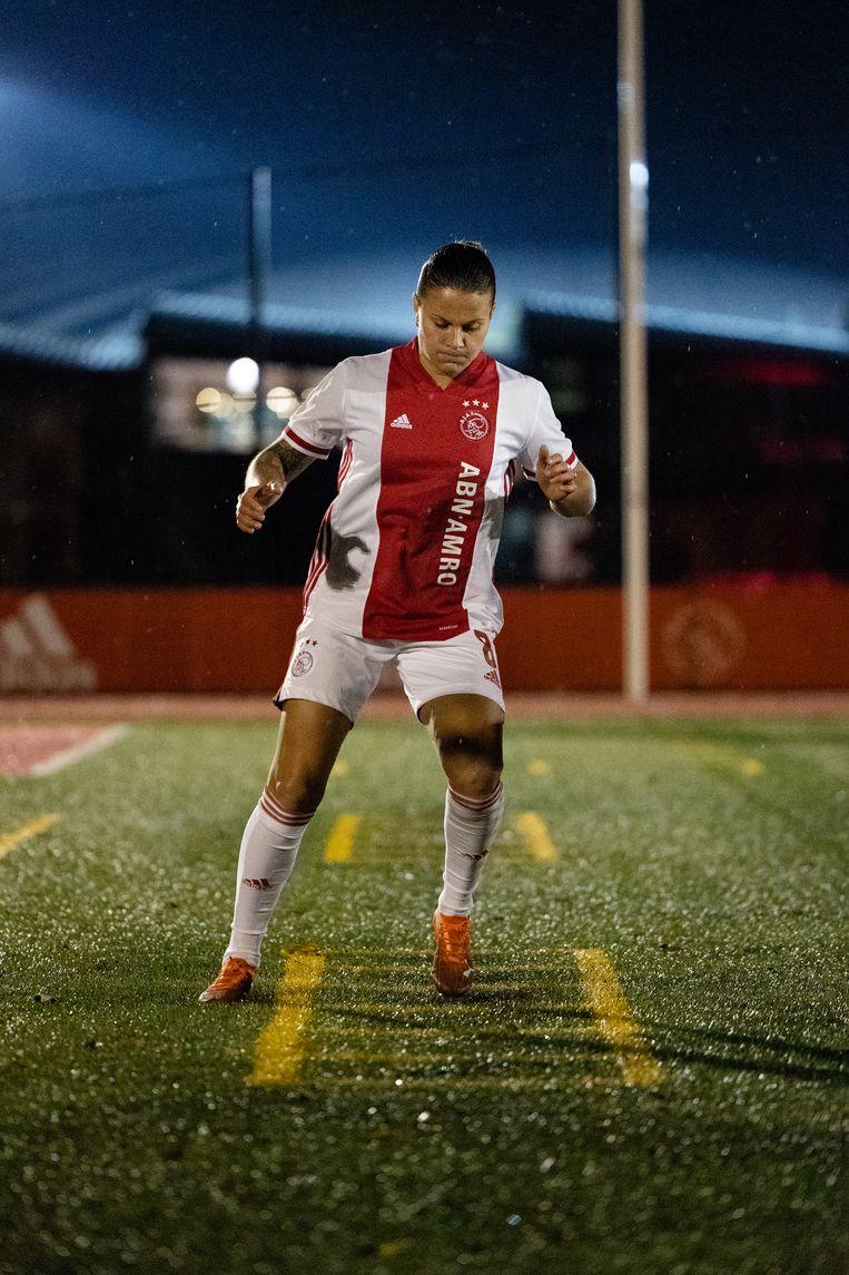Sherida Spitse: 'Vrouwenvoetbal wordt serieuzer genomen, dat was vroeger wel anders.' Beeld Photo Ajax/ Bastiaan Heus