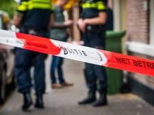 Man (49) meldt zich met steekwonden bij politiebureau Zuidoost
