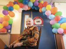 Maria uit Holten is 100, haar broers 97 en 95: 'Komen kennelijk uit sterk geslacht'