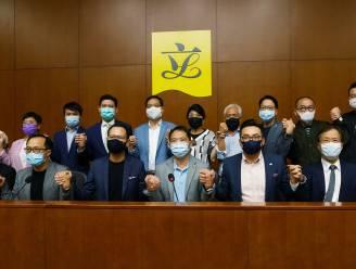 Alle prodemocratische parlementariërs in Hongkong stappen op