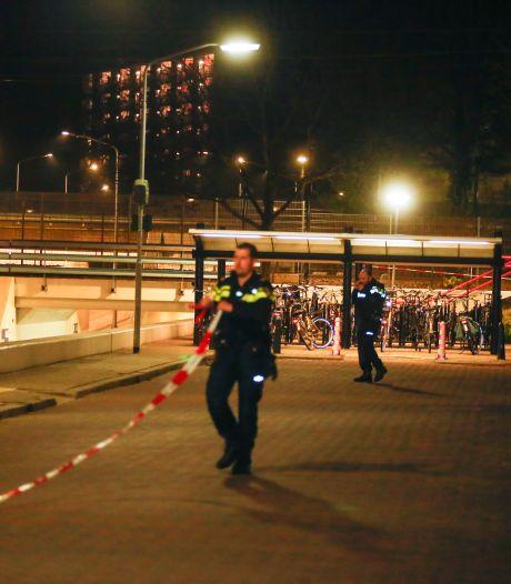 Vier jonge verdachten schietpartij station Dordrecht-Zuid heengezonden: 'Ze zeggen niets'