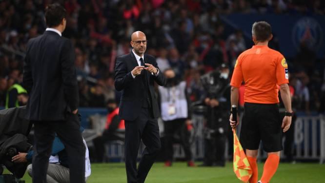 Peter Bosz hekelt VAR na penalty Neymar: 'Dat zijn overduidelijk geen voetballers'