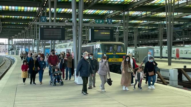 Gedaan met overvolle treinen richting kust? NMBS-app krijgt tegen paasvakantie 'druktebarometer'