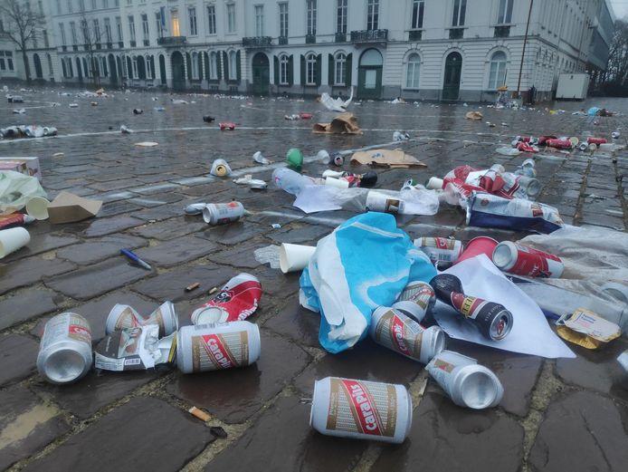 In parken en op pleinen blijft vaak een gigantische afvalberg achter, met daartussen ook heel wat lege drankblikjes. Nochtans zijn blikjes oneindig vaak recycleerbaar. Juist sorteren ervan is dan ook heel belangrijk.