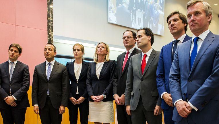 De nieuwe wethouders bij hun installatie in de Amsterdamse gemeenteraad met op links Arjan Vliegenthart. Beeld anp