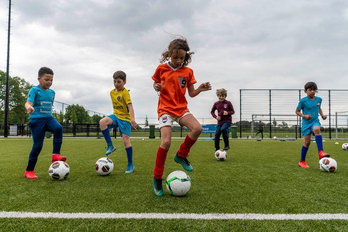 De jeugd van FC Tilburg kon eind april de trainingen hervatten, toen de coronaregels versoepelden.