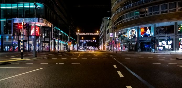 Uitgestorven straten in het centrum van Utrecht.