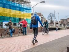 Fietsen door de Delftse jungle: 'Voetgangers en fietsers zitten elkaar in de weg'