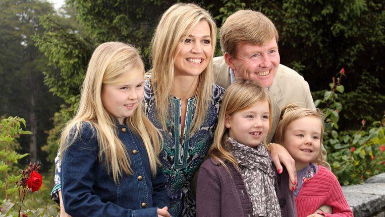 Prinses Máxima, kroonprins Willem-Alexander en hun drie dochter Amalia, Alexia en Ariane trokken voor de kerstdagen naar het Argentijnse Villa la Angostura. Beeld GETTY