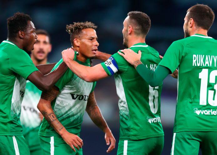 Archieffoto: Tjaronn Chery (tweede van links) in het shirt van Maccabi Haifa.