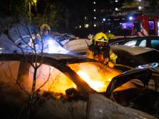 Drie auto's branden uit op twee plekken in Zwolle: vorig jaar was het hier ook al raak