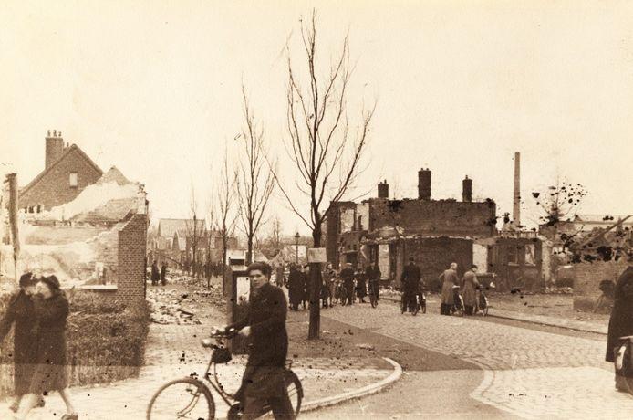 De Janninksweg na het bombardement op 22 februari 1944.