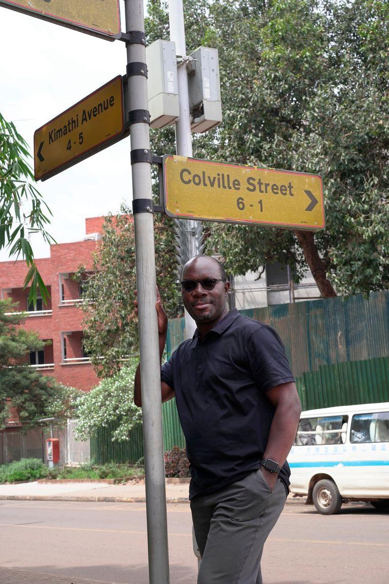 Tegenstrijdige straatnaamborden: Colville Street en Kimathi Avenue. Generaal-majoor Sir Henry Edward Colville voerde de Unyoro Expeditie in 1895 aan, waarna Oeganda een kolonie van Engeland werd. De Keniaanse revolutieleider Kimathi voerde daarentegen de opstand tegen de Britten aan in de jaren '50 tot hij in 1957 geëxecuteerd werd. Beeld Michele Sibiloni