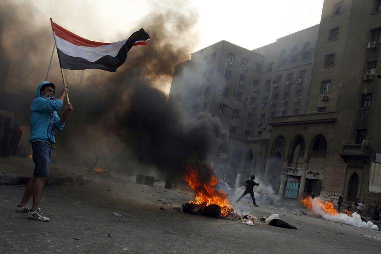 De dodentol van het straatgeweld gisteren in Caïro is inmiddels opgelopen tot 53. Beeld BELGA
