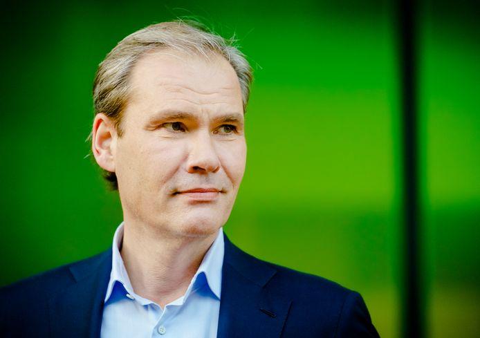 KPN-topman Joost Farwerck verzacht de plannen met XS4All iets.