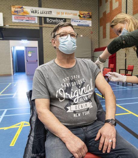 10.000 prikken met AstraZeneca-vaccin uitgesteld in de Achterhoek: 'Het is een gekkenhuis'