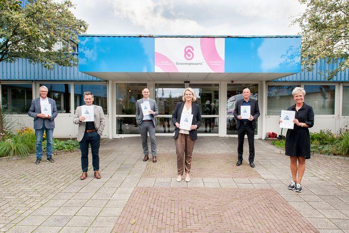 De ondertekening van het project Job Academie was maandag bij Stroomopwaarts in Vlaardingen.
