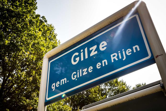 Het plaatsnaambord van Gilze, gemeente Gilze-Rijen. Het hitterecord voor Nederland is na 75 jaar verbroken. In Gilze-Rijen werd op 25 juli een temperatuur van 40,7 graden gemeten.